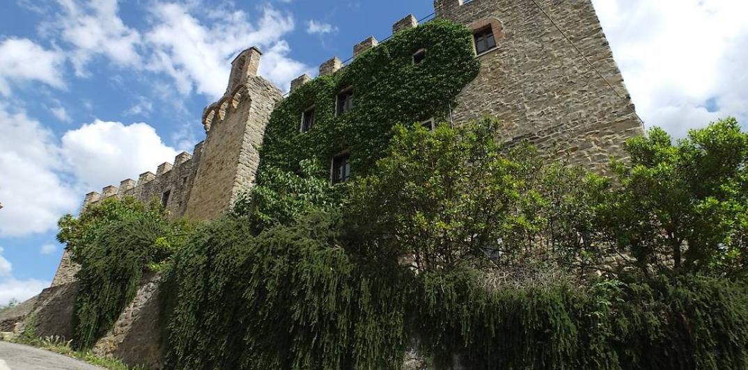 Castello di Cisterna 1
